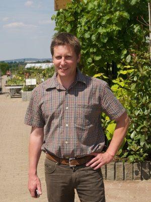 <strong>Achim Röhler</strong><br> Meister seit 1989 <br><br> Aufgabengebiet: <br>Betriebsleitung, Gartengestaltung<br><br>
