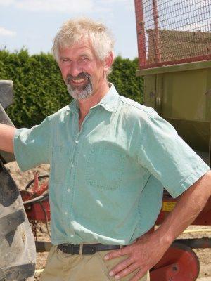 <strong>Reinhard Ahrens</strong><br> Mitarbeiter seit 2004 <br><br> Aufgabengebiet: <br>Fahrer, Technik, Kulturarbeiten, Dienstleistungen<br><br>