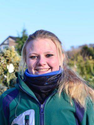 <strong>Kea Bernsdorff</strong><br> Mitarbeiterin seit 2014 <br><br> Aufgabengebiet:<br> Verkauf, Vermehrung, Kulturarbeiten<br><br>